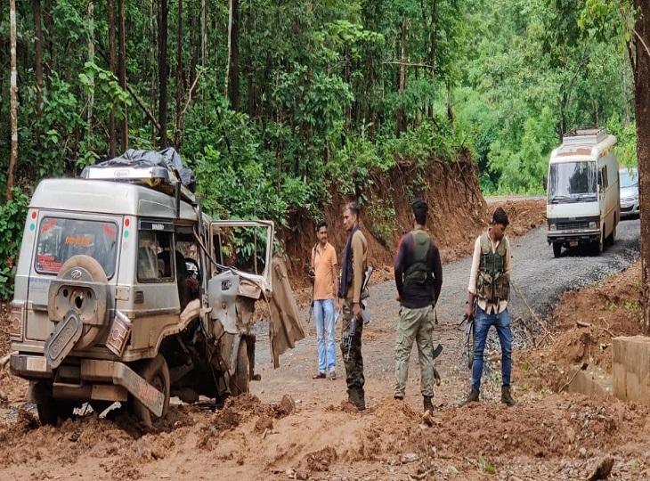 मजदूरी के लिए जा रहे थे आंध्र प्रदेश, रास्ता न भटकें, इसलिए गूगल मैप का सहारा लिया; घायलों ने ढाई किमी पैदल चलकर कैंप में दी जानकारी जगदलपुर,Jagdalpur - Dainik Bhaskar