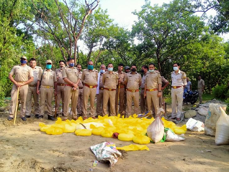 ड्रोन से तलाशे गए अवैध शराब के ठिकाने, JCB से किया किया नष्ट; 8 घंटे चले सर्च आपरेशन से कच्ची कारोबारियों में मचा हड़कंप|गोरखपुर,Gorakhpur - Dainik Bhaskar