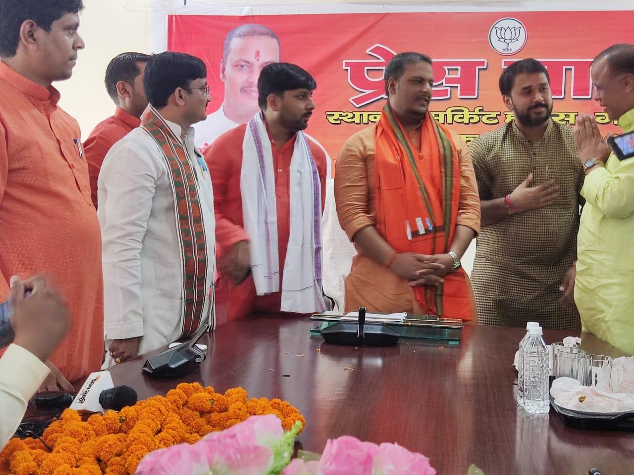 प्रांशुदत्त द्विवेदी ने कसा सपा पर तंज; बोले- सपा की साइकिल हो चुकी है पंचर, 2022 में निकल जाएगी हवा, 350 सीट पार करेगी BJP|गोरखपुर,Gorakhpur - Dainik Bhaskar