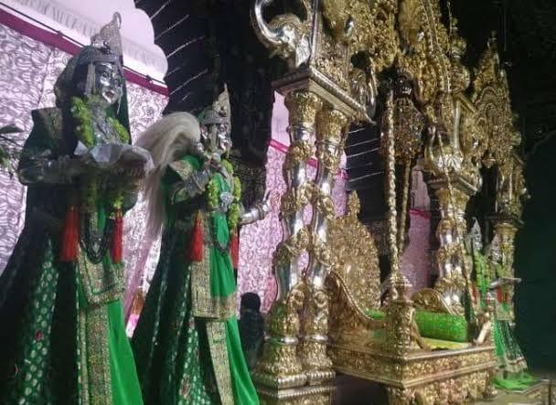 सोने-चांदी के झूले में विराजेंगे बांके बिहारी, मंदिर प्रबंधन ने शुरू की तैयारी|मथुरा,Mathura - Dainik Bhaskar