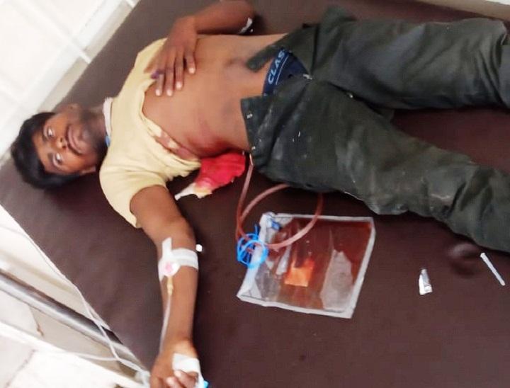 खेतों की रखवाली करने के दौरान पेट में लगी गोली, गंभीर अवस्था में जयपुर में चल रहा इलाज; कारणों की जांच में जुटी पुलिस दौसा,Dausa - Dainik Bhaskar