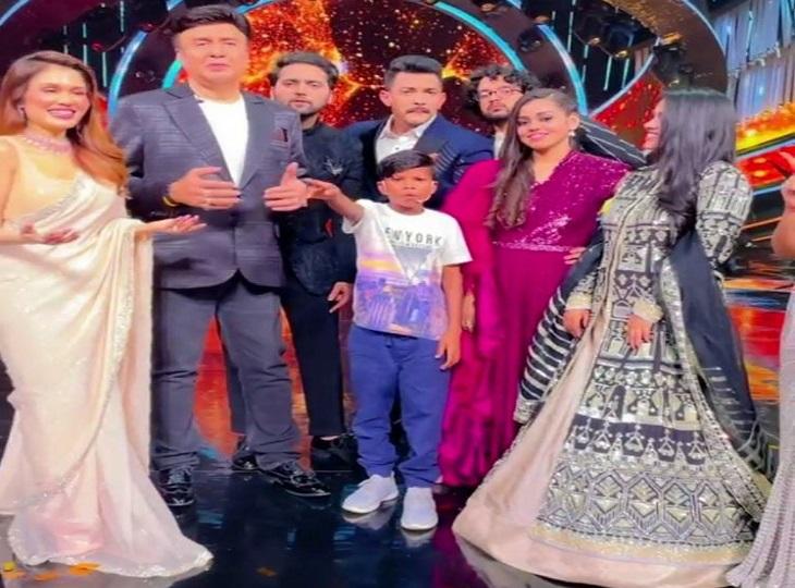 इंडियन आइडल के मंच पर गाया 'बचपन का प्यार', इधर डांस दीवाने के सेट से भी आया बुलावा; आदित्य नारायण ने शेयर किया वीडियो|जगदलपुर,Jagdalpur - Dainik Bhaskar