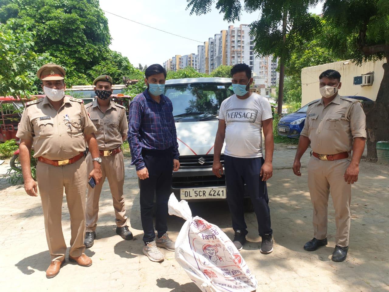 वकील से मिलने के बहाने कार में डालकर ले गए, शराब पिलाने के बाद डंडे से पीटकर हत्या, दो दोस्त गिरफ्तार|गाजियाबाद,Ghaziabad - Dainik Bhaskar