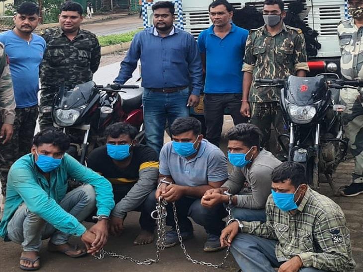 अलग-अलग राज्यों में घूम-घूमकर करते थे चोरी, रायपुर से लौटते वक्त बॉर्डर में पकड़ाए; 5 आरोपियों से 11 लाख का सामान बरामद छत्तीसगढ़,Chhattisgarh - Dainik Bhaskar