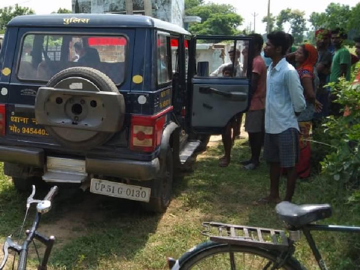 घर से एक किमी दूर दूसरे गांव में मिला शव; अज्ञात पर दर्ज हुआ मुकदमा, जांच में जुटी पुलिस बस्ती,Basti - Dainik Bhaskar