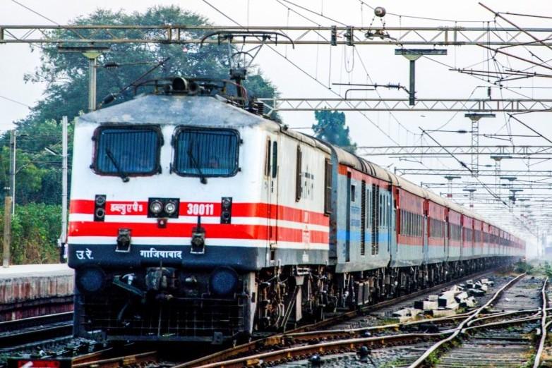 गुना-ग्वालियर रेल खंड पर पाडरखेड़ा-मोहाना के बीच रेल ट्रैक उखड़ा; भिंड-रतलाम एक्सप्रेस स्पेशल रद्द, इंदौर-देहरादून समेत 4 ट्रेन के रूट बदले|मध्य प्रदेश,Madhya Pradesh - Dainik Bhaskar