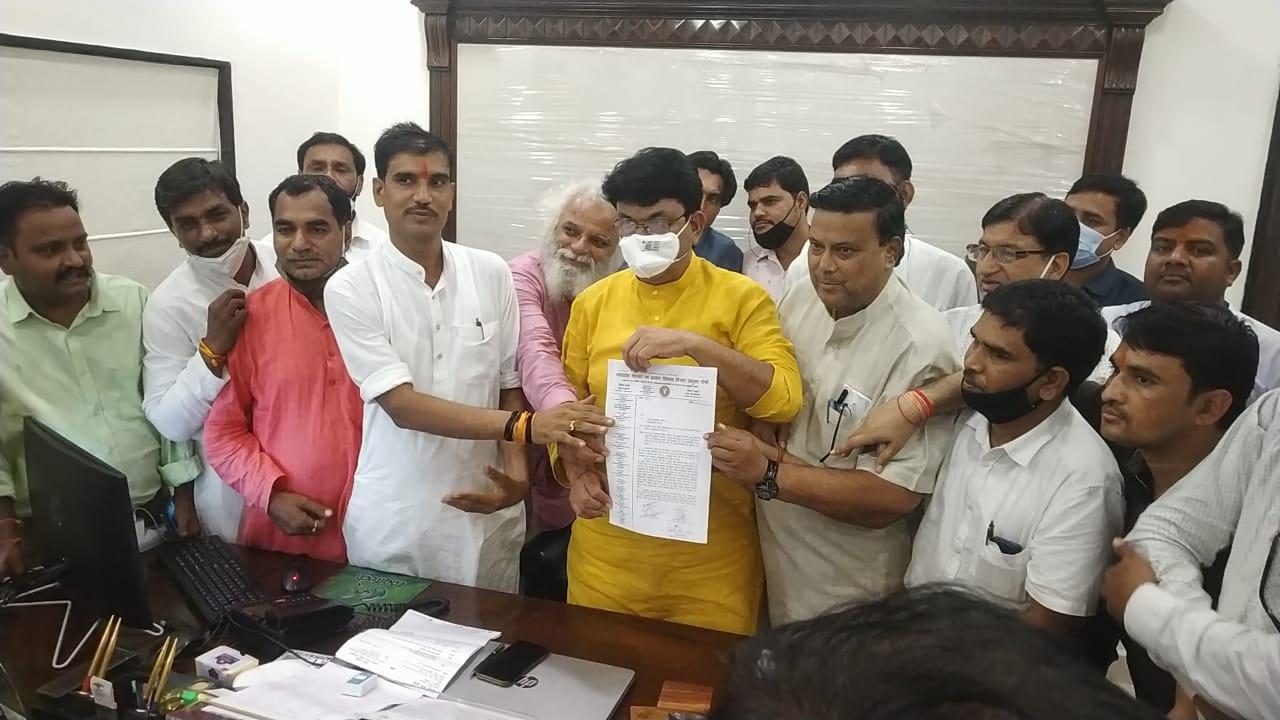 पंचायतों में लौटेंगे, कल होने वाले अन्न उत्सव में भी शामिल होंगे 70 हजार कर्मचारी, प्रांताध्यक्ष बोले- कार्रवाई वापस लेगी सरकार भोपाल,Bhopal - Dainik Bhaskar