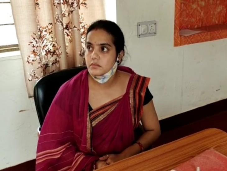पॉवर बाइक पर आए दो बदमाश, बच्चे को ट्यूशन छोड़कर लौट रही थी घर, कॉलोनी वासियों ने जताया आक्रोश श्रीडूंगरगढ़,Shri Dungargarh - Dainik Bhaskar
