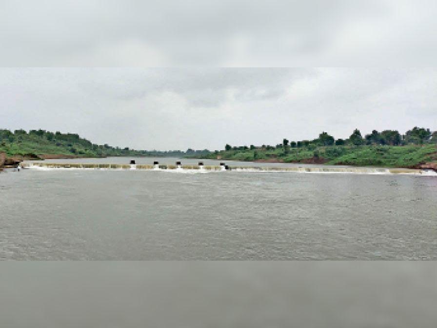 छह दिन में सिर्फ 11 मिमी बारिश हुई, ताप्ती नदी का जलस्तर सामान्य हुआ बुरहानपुर,Burhanpur - Dainik Bhaskar
