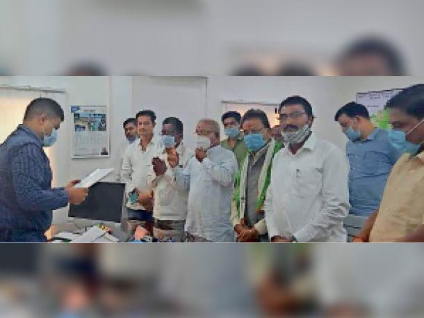 साहू समाज तथा पिछड़ा वर्ग ने पुलिस अधीक्षक को ज्ञापन सौंपा। - Dainik Bhaskar