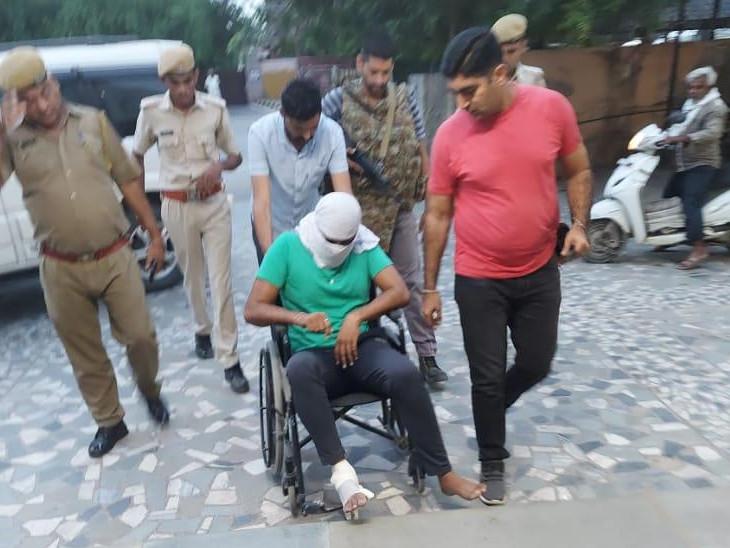 दो कॉन्स्टेबल की हत्या में शामिल था, सुबह 3 बजे तीन जिलों की पुलिस ने की घेराबंदी, सरेंडर के लिए कहा तो गोली चला दी, पुलिस की फायरिंग में बदमाश घायल|राजस्थान,Rajasthan - Dainik Bhaskar