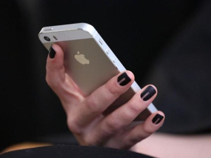 बच्चों से जुड़ी अश्लील सामग्री को रोकने के लिए एपल आईफोन में डालेगा निगरानी सॉफ्टवेयर, ये ऐसी सामग्री सर्च भी नहीं करने देगा|विदेश,International - Dainik Bhaskar