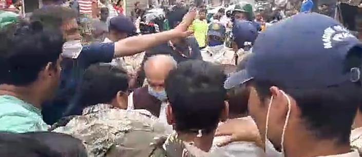 श्योपुर में बाढ़ग्रस्त इलाकों में पहुंचे तोमर, लोगों ने गाड़ी पर फेंका कीचड़; कहा- मुनादी भी नहीं करवाई, सब तबाह हो गया|मुरैना,Morena - Dainik Bhaskar