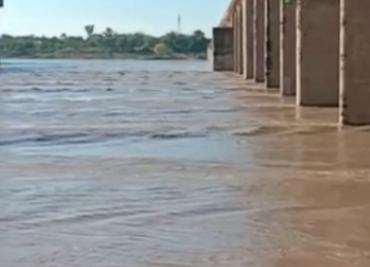 क्वारी नदी का जलस्तर बढ़ा। - Dainik Bhaskar
