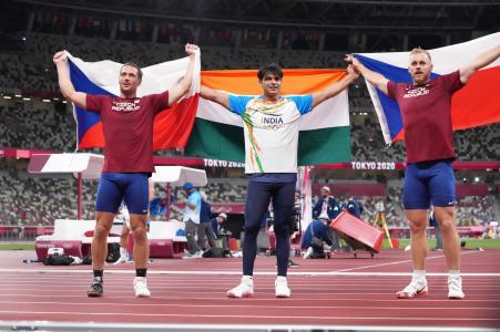 नीरज के अलावा 86.67 मीटर थ्रो के साथ चेक के जाकुब वेदलेच दूसरे और 85.44 मीटर के थ्रो के साथ चेक के ही वितेस्लाव वेसेली तीसरे नंबर पर रहे।