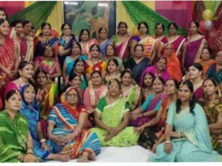 सावन के गीतों पर झूमी महिलाएं,अग्रवाल महिला सेवा समिति ने मनाया लहरिया महोत्सव गंगापुर सिटी,Gangapur City - Dainik Bhaskar