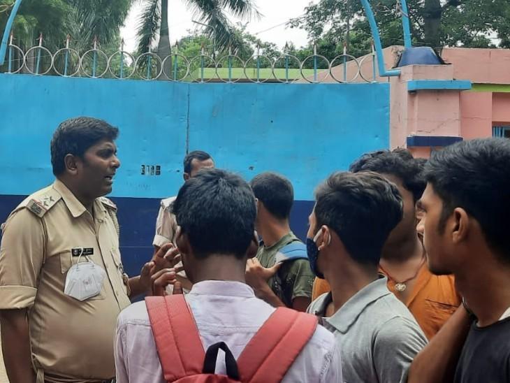 वेबसाइट पर नहीं जारी की गई गाइडलाइन, स्टूडेंट्स में बढ़ रहा आक्रोश; प्राइवेट स्कूल एंड चिल्ड्रेन वेलफेयर एसोसिएशन ने कहा- धधक रही मनमानी की आग|बिहार,Bihar - Dainik Bhaskar