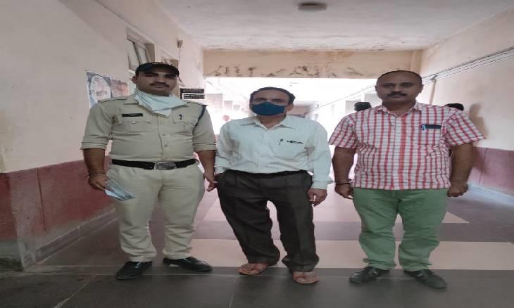 1000 रुपए लेकर फाइलें कम्पलीट करवाता था लेखापाल, न्यायालय ने सुनाया 4 साल की जेल और 10 हज़ार का अर्थदण्ड़|देवास,Dewas - Dainik Bhaskar