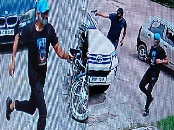 वारदात के दौरान CCTV फुटेज में कैद हुए आरोपी।