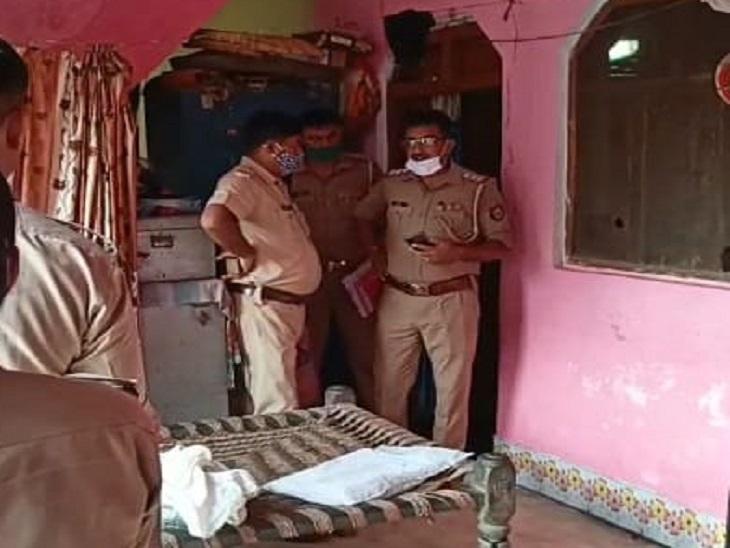 पुलिस ने जख्मी महिला और मासूम को अस्पताल में भर्ती कराया। मासूम के शव को पोस्टमार्टम के लिए भेजा।