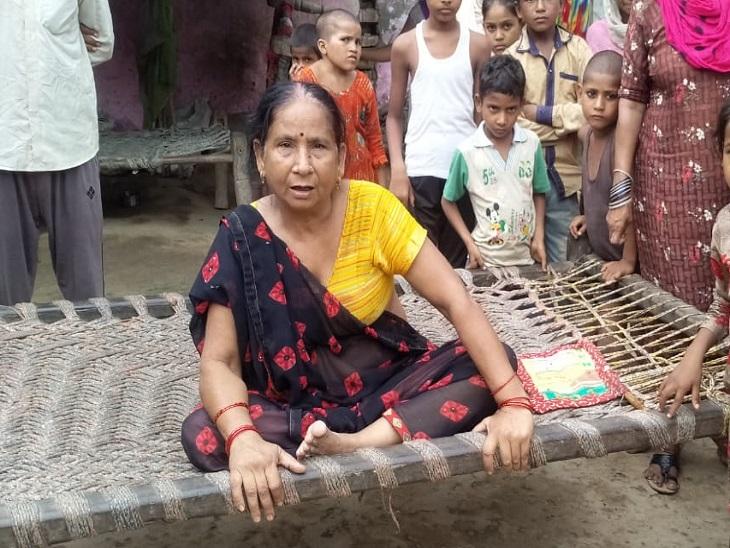 सास मुन्नी देवी बोली- बहू खाना खाकर सोने कमरे में गई थी। दरवाजा बंद कर उसने घटना को अंजाम दिया।