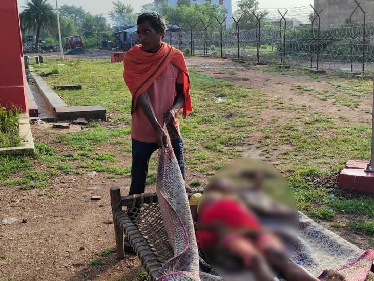अपराधियों ने खाट पर सोई अवस्था में महिला के कनपटी पर मारी गोली, शाम में कुछ लोगों से हुआ था विवाद; 4 हिरासत में|झारखंड,Jharkhand - Dainik Bhaskar