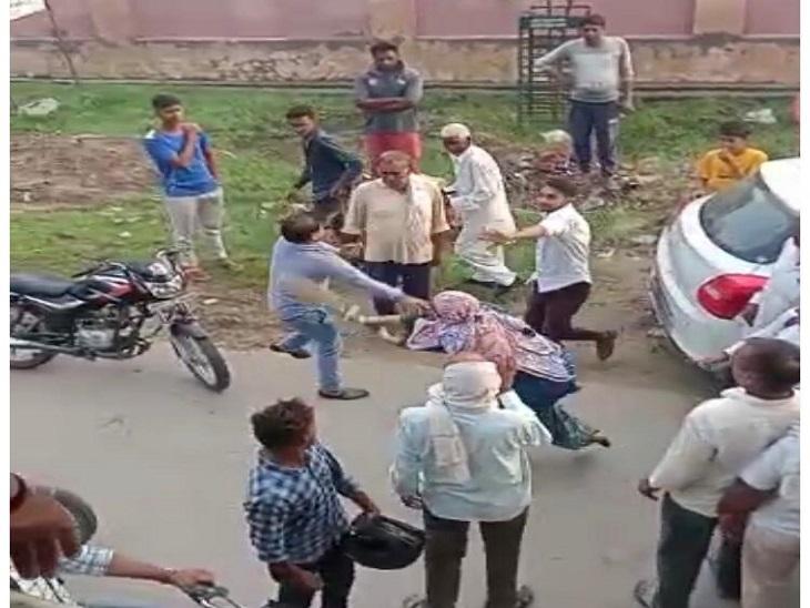 छेड़छाड़ का आरोप लगाकर कार सवारों को बल्ले से पीटने वाली महिला को थाने से मिली जमानत, फरार पति व एक अन्य की तलाश जारी|हरियाणा,Haryana - Dainik Bhaskar