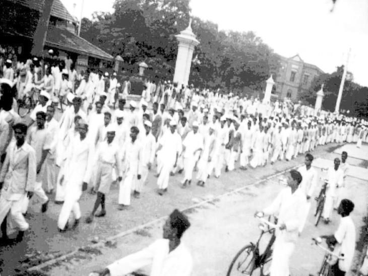 भारत छोड़ो आंदोलन के दौरान देशभर में लोगों ने रैलियां निकालकर विरोध प्रदर्शन किया।