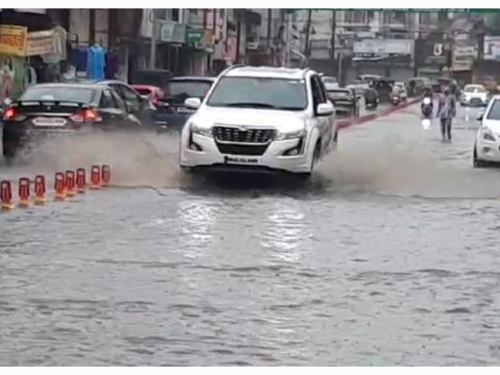 रिमझिम के बाद जिले में तेज बारिश शुरू, अब तक 22 इंच से अधिक बरसात दर्ज, यह पिछले साल से 5 इंच ज्यादा|रतलाम,Ratlam - Dainik Bhaskar