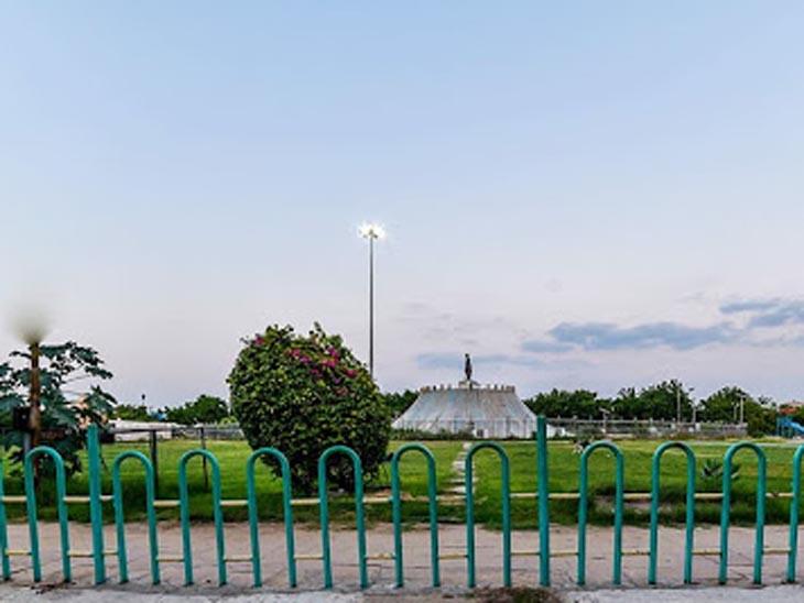 कार में बैठाकर फाइनेंसर को हवाई फायर कर धमकाया, मौके पर मिला खोल जोधपुर,Jodhpur - Dainik Bhaskar