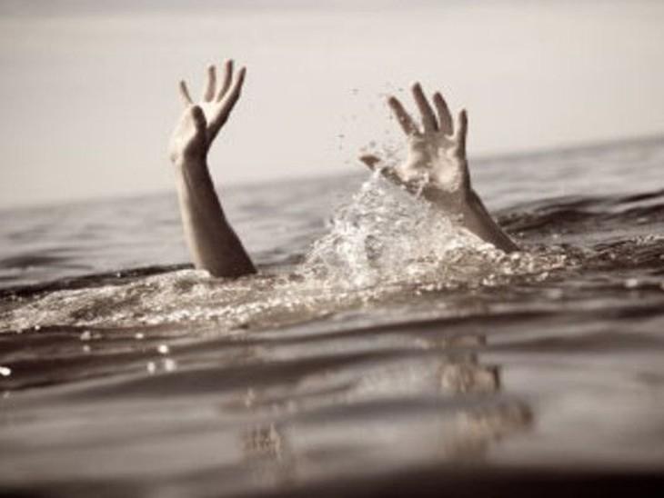 बेतिया में नहर में फिसला किशोर का पैर, गहरे पानी में जाने से डूबा, मौत|बेतिया (पश्चिमी चंपारण),Bettiah (West Champaran) - Dainik Bhaskar