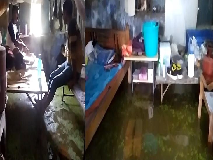 बारिश के पानी में डूब गया बेला थाना, थानेदार के कक्ष में लटका ताला, घुटने भर पानी से होकर शिकायत लेकर आ रहे लोग|मुजफ्फरपुर,Muzaffarpur - Dainik Bhaskar