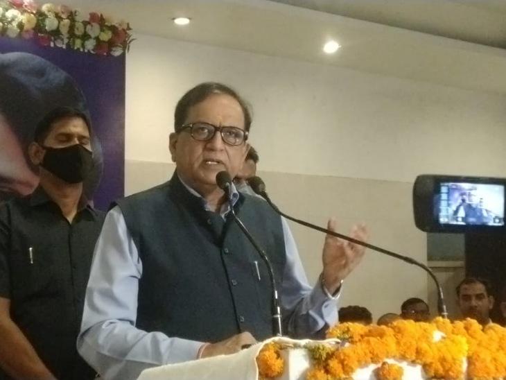 मुरादाबाद में BSP के राष्ट्रीय महासचिव सतीश चंद्र मिश्रा ने कहा कि भाजपा की नीयत राम मंदिर बनाने की नहीं है।  बल्कि भाजपा राम के नाम पर चंदा लेकर चुनाव लड़ने की तैयारी में है। - Dainik Bhaskar