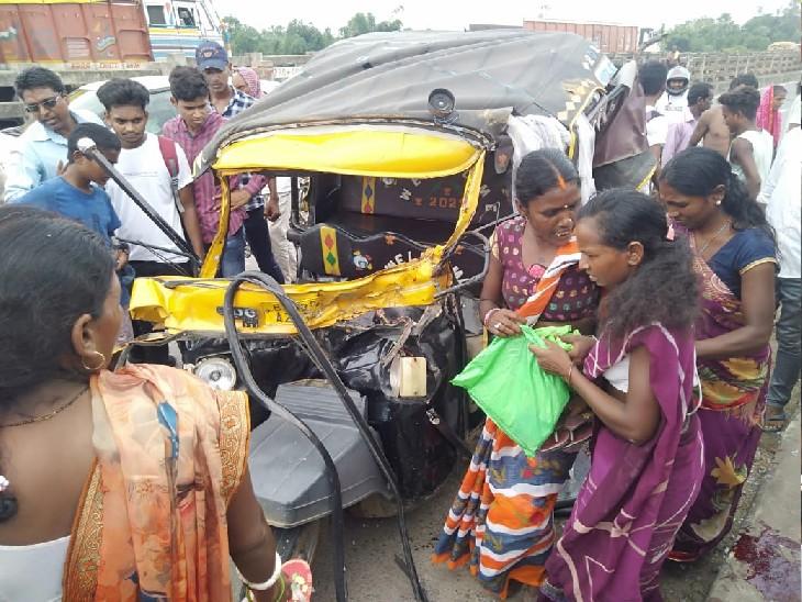टेम्पो पर बैठ बाराचट्टी जा रहे थे 10 लोग, सामने से बेलगाम डंपर ने मारी टक्कर; महिला की मौत, 4 घायल|बिहार,Bihar - Dainik Bhaskar