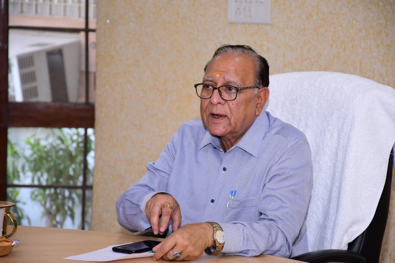 कुलपति प्रो. अशोक मित्तल ने दायर की रिट, कहा- सारे आरोप निराधार, उनका पक्ष नहीं सुना गया|आगरा,Agra - Dainik Bhaskar