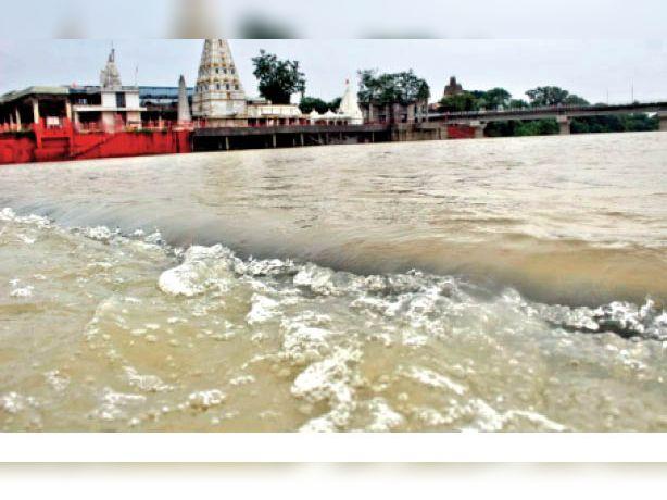सावन के 14 दिन में ही औसत बारिश का 75% कोटा पूरा, 24 इंच दर्ज, अब 9 इंच की जरूरत मंदसौर,Mandsaur - Dainik Bhaskar