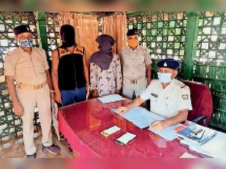 सरसी पुलिस की हिरासत में लूटकांड में शामिल अपराधी। - Dainik Bhaskar