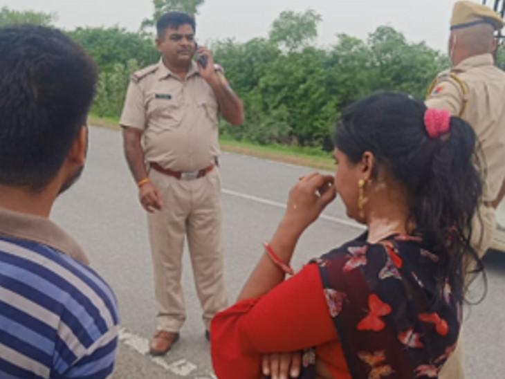 बाइक पर सवार होकर आए बदमाश, महिला को दिखाई पिस्टल, पुलिस ने करवाई नाकाबंदी|भीलवाड़ा,Bhilwara - Dainik Bhaskar