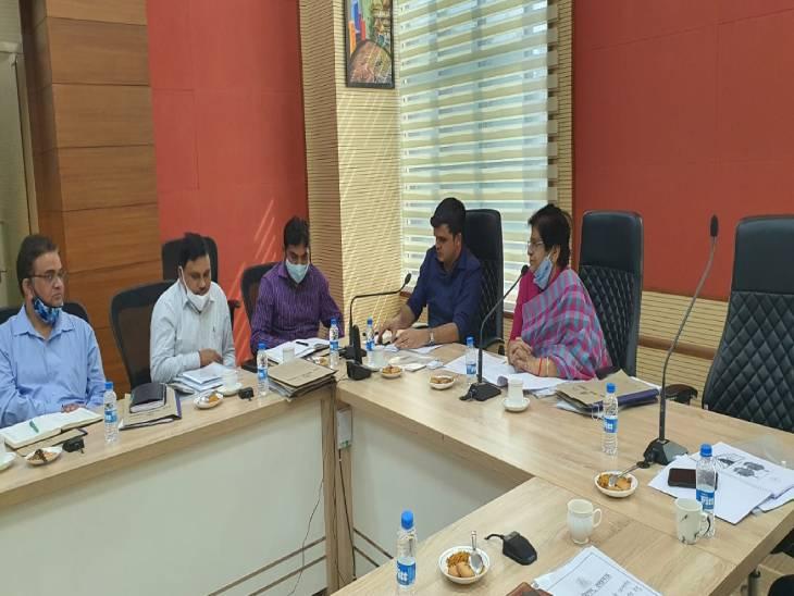 शहर के 706 पार्क और पांच बाजारों को सुधारेगा नगर निगम। 15 वें वित्त आयोग की बैठक में हुआ फैसला। - Dainik Bhaskar
