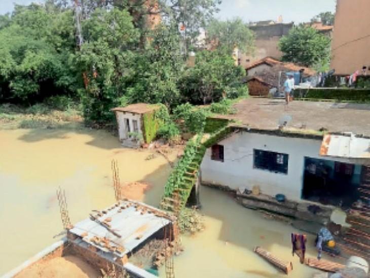 ग्रामीणों के विरोध के बाद भी बनाया गया था पुल, आखिर फूट गया सेंदरी का बांध|बिलासपुर,Bilaspur - Dainik Bhaskar