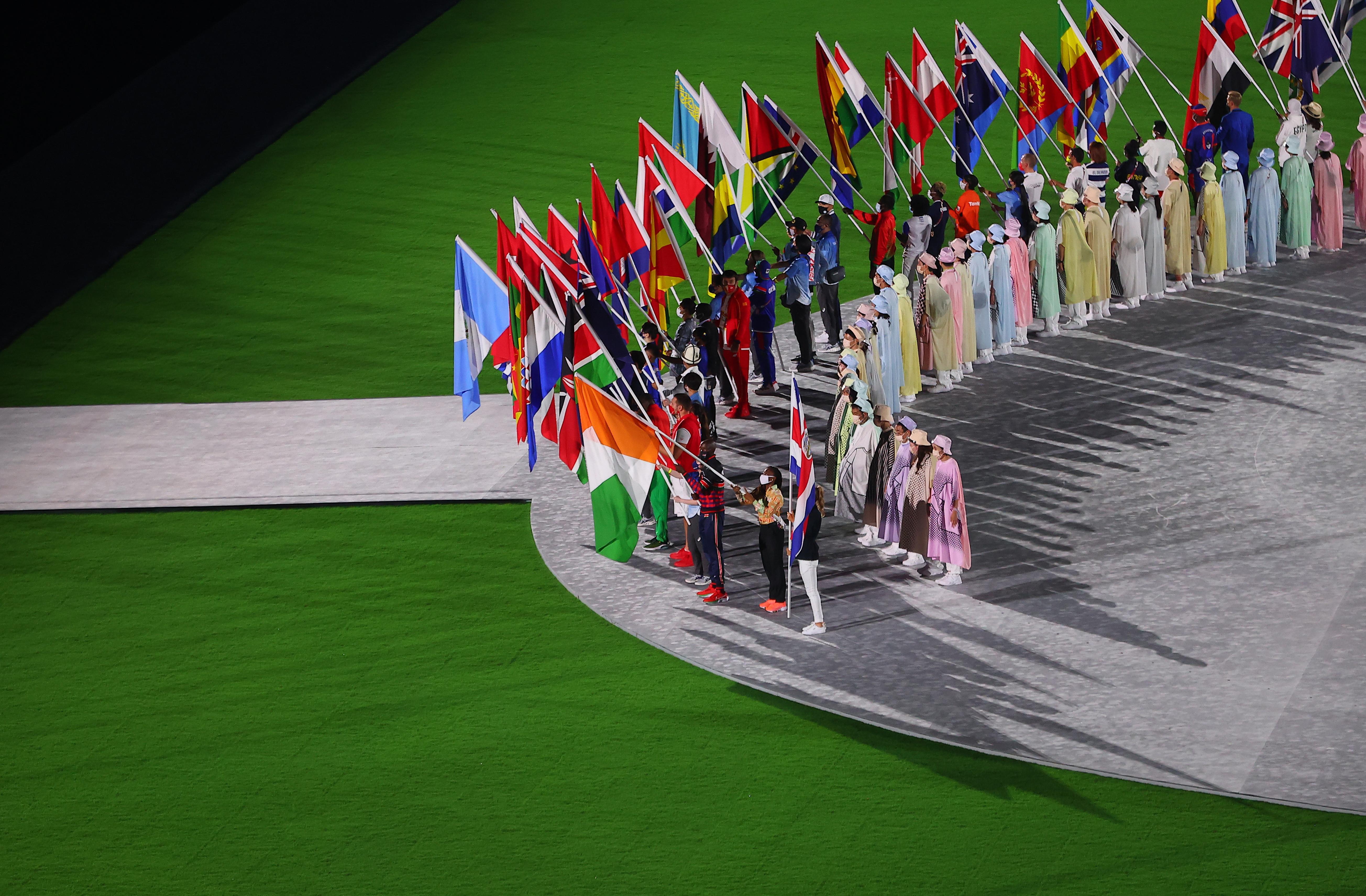टोक्यो में 11 हजार 90 एथलीट्स ने हिस्सा लिया। कोरोना प्रोटोकॉल के चलते सभी को सिर्फ 5 दिन ओलिंपिक विलेज में रुकने की इजाजत थी।