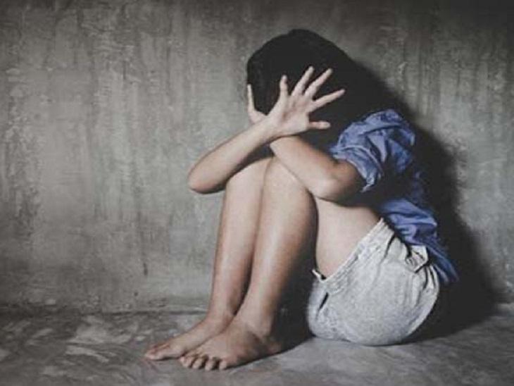 अकेला पाकर झुग्गी में घुसा पड़ोसी, मारपीट कर किया रेप; पीड़िता के पिता ने दर्ज कराई रिपोर्ट लखनऊ,Lucknow - Dainik Bhaskar