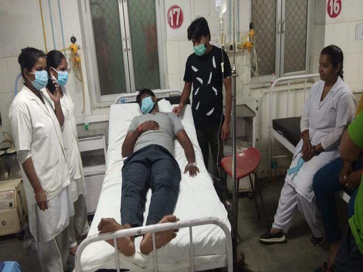 मेल स्टाफ मधुलोप इमरजेंसी में - Dainik Bhaskar