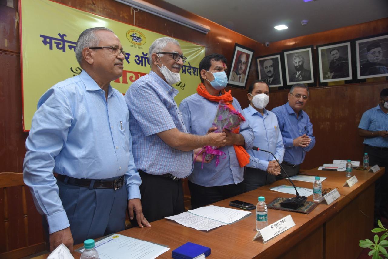 5 सूत्र पर कानपुर की नब्ज टटोल गए प्रदेश उपाध्यक्ष व पूर्व आईएएस, कहा कानपुर के उद्योगों की समस्या हल कराएंगे|कानपुर,Kanpur - Dainik Bhaskar