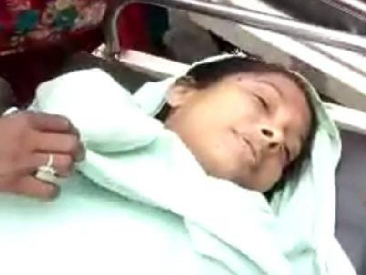 झोलाछाप के अस्पताल में भर्ती थी महिला; ज्यादा खून बहने से गई जान, परिजनों ने हंगामा किया अमरोहा,Amroha - Dainik Bhaskar