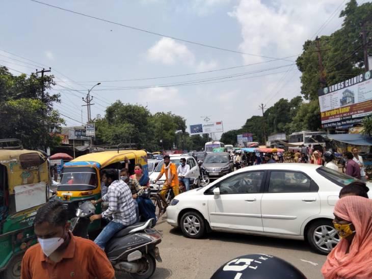 रैपिड के निर्माण कार्य से हर रोज 01 लाख वाहन जाम में जूझ रहे, ऑफिसों में बैठकर बनाया प्लान, सड़क पर सिर्फ जाम ही जाम मेरठ,Meerut - Dainik Bhaskar
