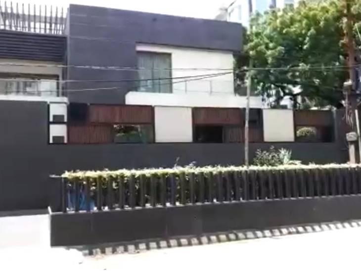 कानपुर में गुड्स एंड सर्विस टैक्स इंटेलिजेंस महानिदेशालय की टीम ने पान मसाला कंपनी के मालिक के घर और कार्यालय में 24 घंटे पड़ताल की। - Dainik Bhaskar
