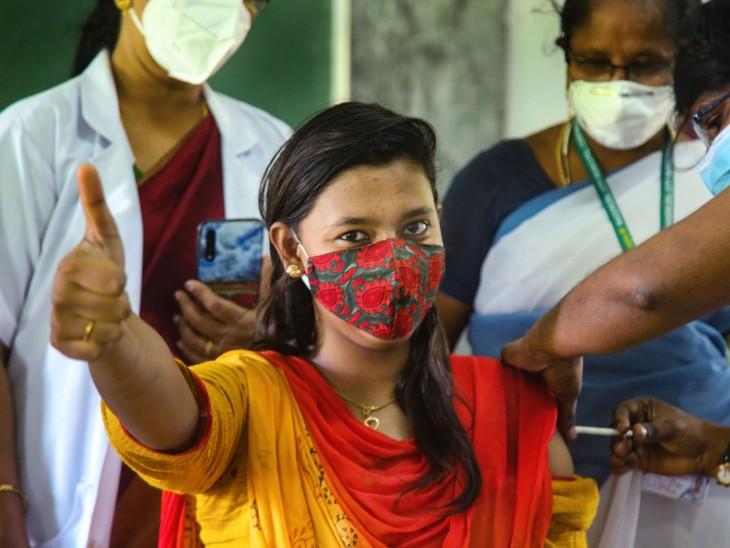 वैक्सीन मिक्सिंग पर तमिलनाडु के वेल्लोर में  स्थित क्रिश्चियन मेडिकल कॉलेज को स्टडी की मंजूरी दी गई है।- फाइल फोटो। - Dainik Bhaskar