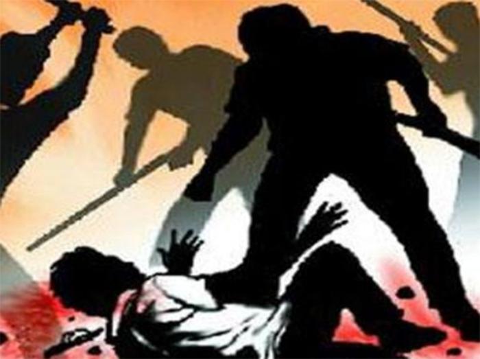 सुनील को पहले मारापीटा उसके बा - Dainik Bhaskar