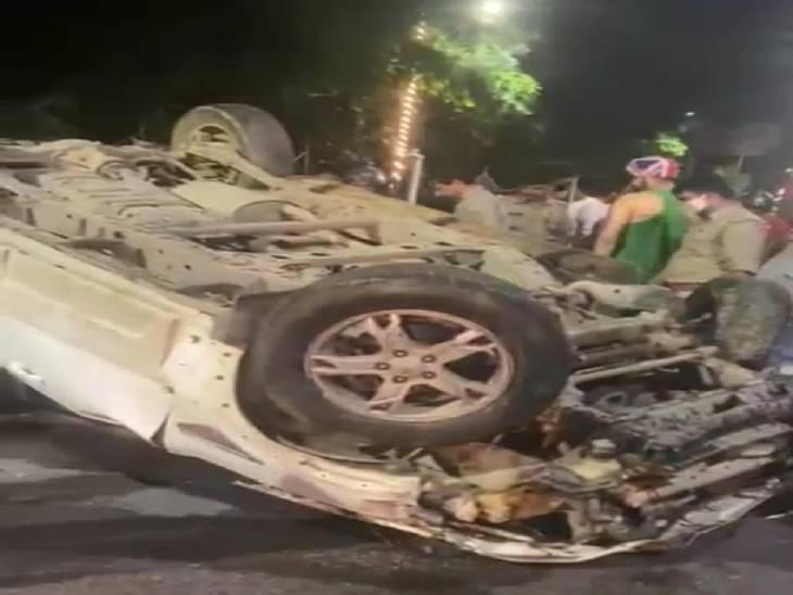 लखनऊ में लोहिया पथ की घटना, राहगीरों ने कार के शीशे तोड़ निकाला परिवार, एक की मौत लखनऊ,Lucknow - Dainik Bhaskar